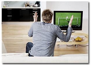 mon mec regarde le foot
