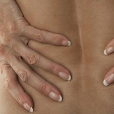 Vaincre les douleurs dorsales grâce aux TCC et à la méditation