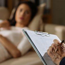 Qu'est-ce que le transfert en psychanalyse ?